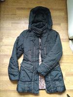Отдается в дар куртка с капюшоном 40-42 размер