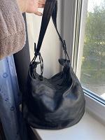 Чёрная кожаная сумка Furla б/у
