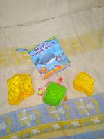 Отдается в дар Мякиши и мягкая книжка для малыша