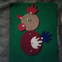 Отдается в дар дарю развивающую аппликацию-прилипалку на коврике.