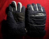 Отдается в дар Снеговые перчатки и термогольфы детские