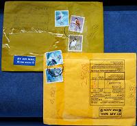 Отдается в дар редкие в наших краях конверты со стандартами Гонг Конг птицы