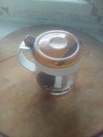 Отдается в дар Ёмкость для кофе с ложечкой