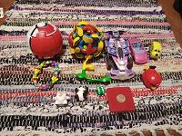 Отдается в дар мелкие игрушки+Монстр Хай на запчасти