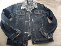 Отдается в дар Куртка джинсовая