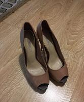 Отдается в дар Женские туфельки 39 размера Paolo Conte