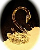 Отдается в дар Фигурка Лебедь-стекло