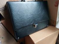 Отдается в дар Дипломат портфель папка для документов
