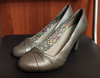 Отдается в дар Туфли женские, 38 размер
