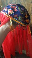 Отдается в дар Восточный костюм для девочки( для танцев?). На возраст приблизительно 8- 9 лет. Размнр понять сложновато.