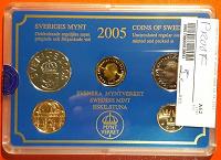 Отдается в дар Годовой набор 4 монеты + банковский жетон. Швеция. В подарочной упаковке 2005