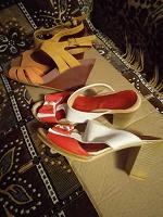 Отдается в дар обувь 36 и 37 размера