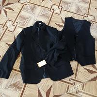 Отдается в дар новый мужской пиджак и жилет