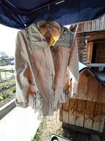 Отдается в дар Ветровки и куртка