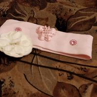Отдается в дар Дв повязки для маленькой девочки.