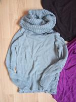 Отдается в дар Женские свитера.