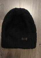 Отдается в дар Детская шапка Timberland.