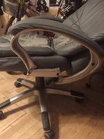 Отдается в дар Компьютерное кресло / стул офисный в ремонт