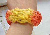 Отдается в дар Разноцветный тканевый браслет