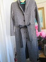 Отдается в дар плащ -пальто 48 размер