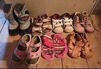 Отдается в дар Обувь для девочки 22-24 размер