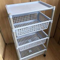 Отдается в дар Стойка этажерка с ящиками для хранения овощей пластмассовая б/у