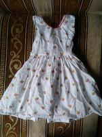 Отдается в дар Нарядное платье для девочки на 2 года