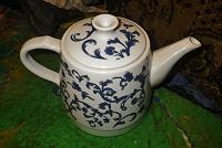 Отдается в дар Чайник белый керамический.