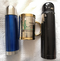 Отдается в дар 2 термоса и термокружка