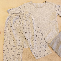 Отдается в дар Пижамка и футболки
