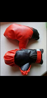 Отдается в дар Детские боксерские перчатки