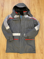 Отдается в дар Мужская зимняя куртка