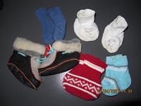 Отдается в дар носки и пинетки новорожденному