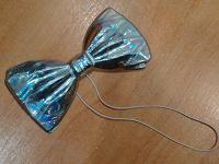 Отдается в дар галстук бабочка на резинке