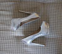 Отдается в дар Туфли на высоком каблуке