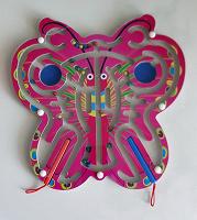 Отдается в дар Игра — магнитная бабочка