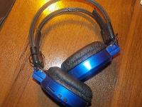 Отдается в дар Беспроводные наушники, MP3 плеер, рабочие