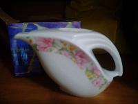Отдается в дар Новый небольшой чайник в коробке
