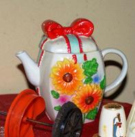 Отдается в дар Чайник, солонка времен СССР коллекционная, ручка для чайника Kaiserhoff