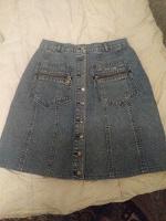 Отдается в дар Джинсовая юбка размер 40