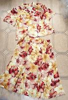 Отдается в дар Новый летний женский костюм, 54, вискоза
