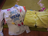 Отдается в дар Одежда на девочку 6-8 лет