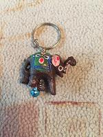 Отдается в дар Брелок слоник