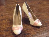 Отдается в дар Обувь девушкам от Светы