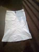 Отдается в дар Белая джинсовая юбка 46-48