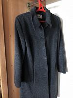 Отдается в дар Женское демисезонное пальто
