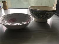Отдается в дар Две салатницы для дачи