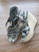 Отдается в дар Женская обувь рр39-40