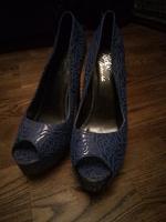 Отдается в дар Туфли женские 39