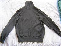 Отдается в дар Чёрный классический свитер-гольф р-р 44-46